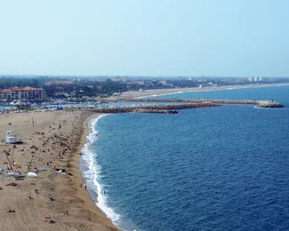 Les plages autour de l'Hôtel du port à Canet en Roussillon